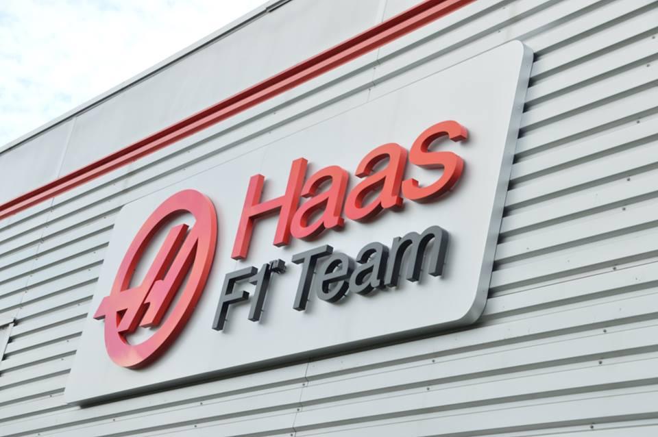 Ma jelentik be a Haas F1 Team két versenyzőjét