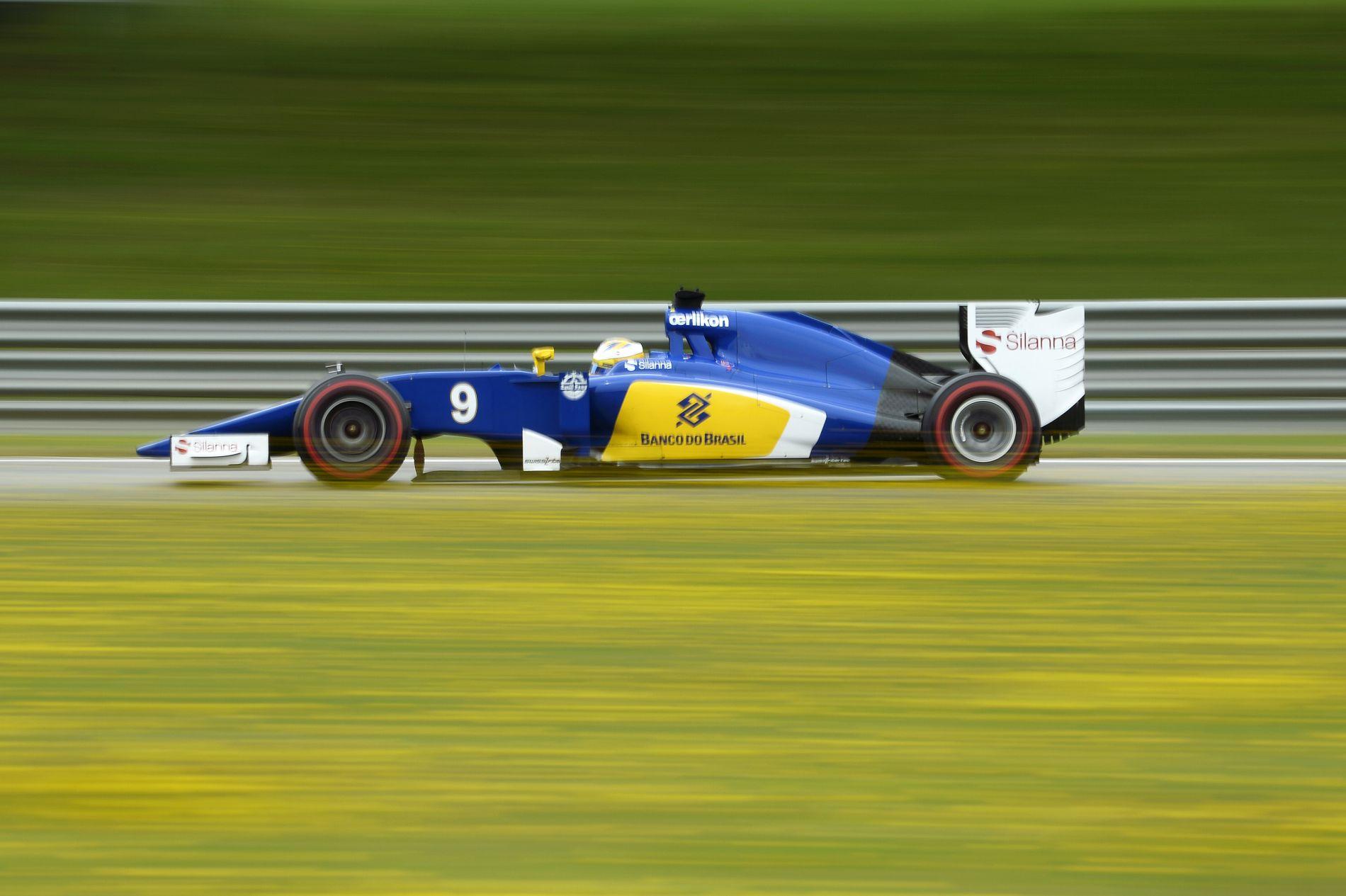 Dupla lökés a Saubernek Spában: megkapják a módosított Ferrari-motorokat