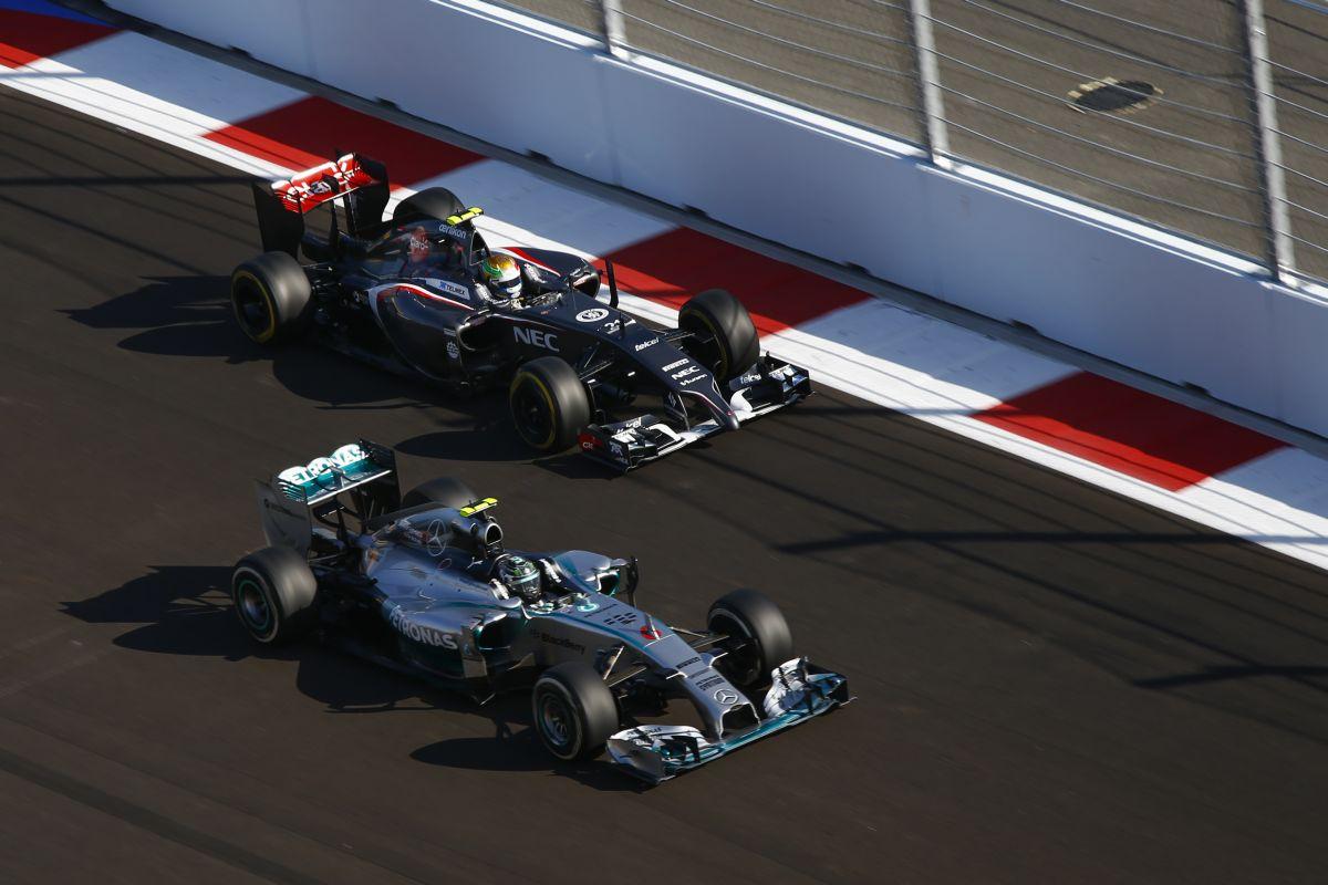 A Caterham és a Marussia játéknemet tévesztett, de a többieknek maradniuk kell az F1-ben