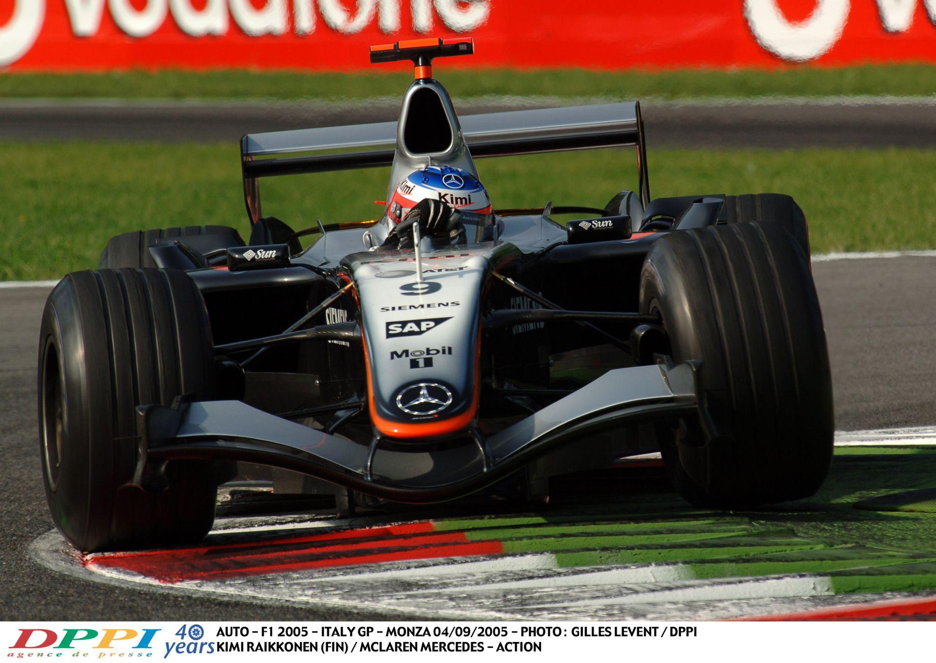 Ettől biztosan bekönnyezel: Raikkönen csapatja neki a 2005-ös V10-es McLarennel Monzában