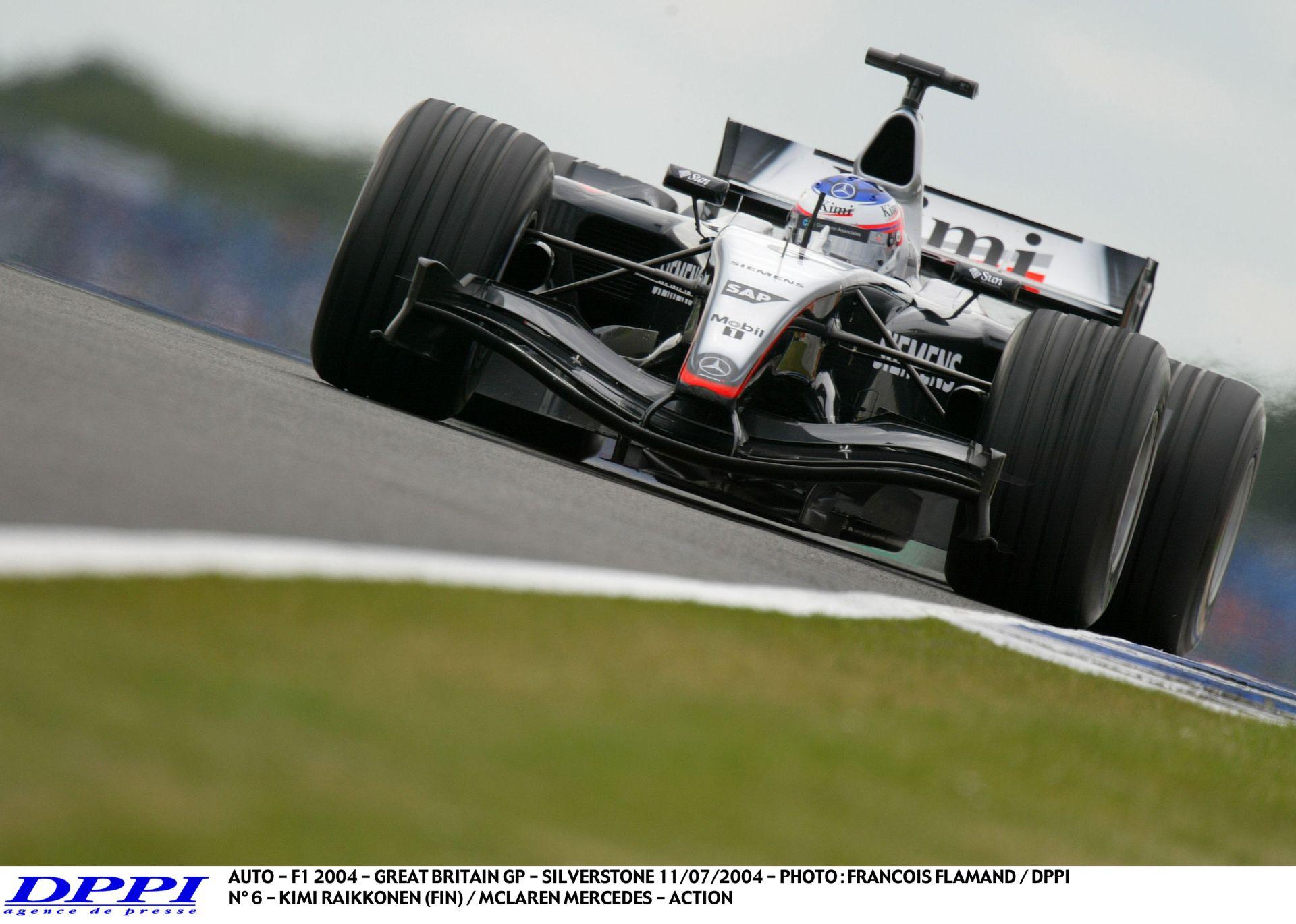 Raikkönen úgy nyomja a McLarennel, mintha az életéért harcolna: Silverstone, 2004