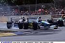 1994., Adelaide: Schumacher bajnok lesz a drótkerítés mögött állva