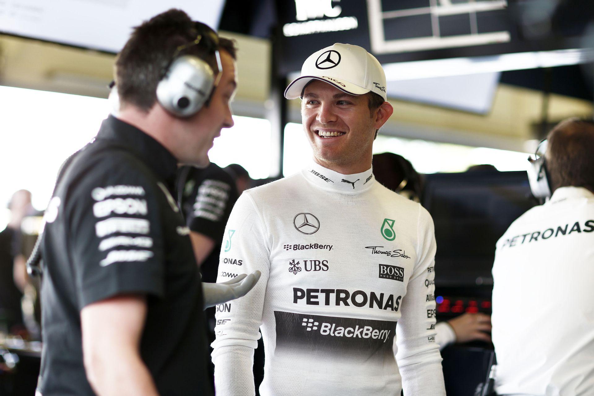 Rosberg babalázban ég: csak egészséges legyen a lányom!