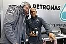 Brawn először Schumachert, majd Hamiltont akarta: örökké hálás lesz a korábbi vezetőnek