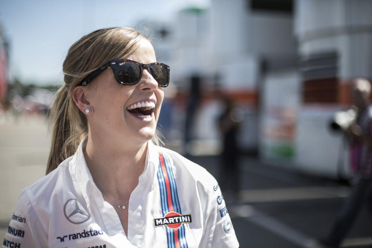 Susie Wolff feljebb lép: a Williams hivatalos tesztversenyzője lett 2015-re!