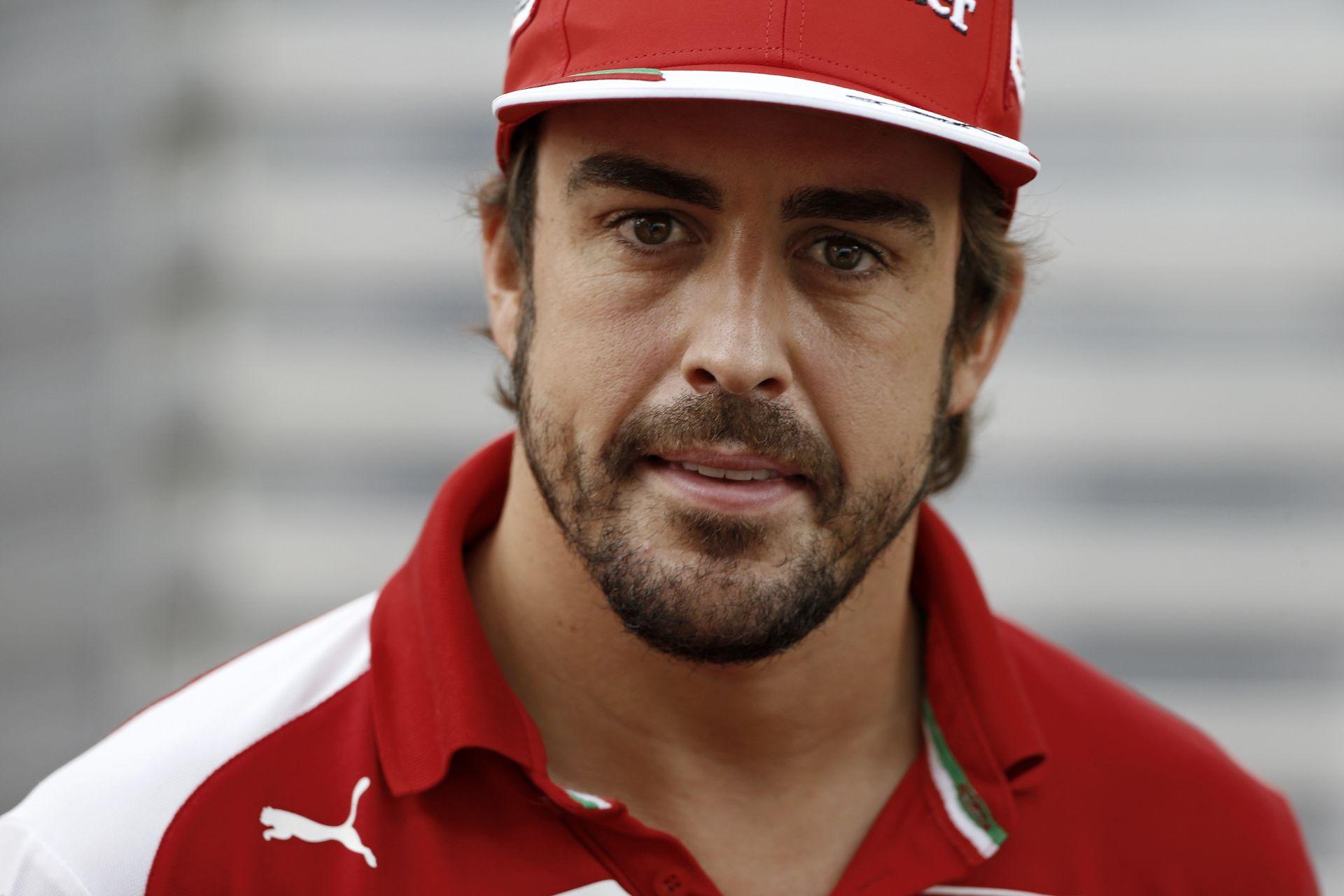 A helyzet már-már elviselhetetlen a Ferrarinál: Alonso kiváltsága a múlté, aki menni akar