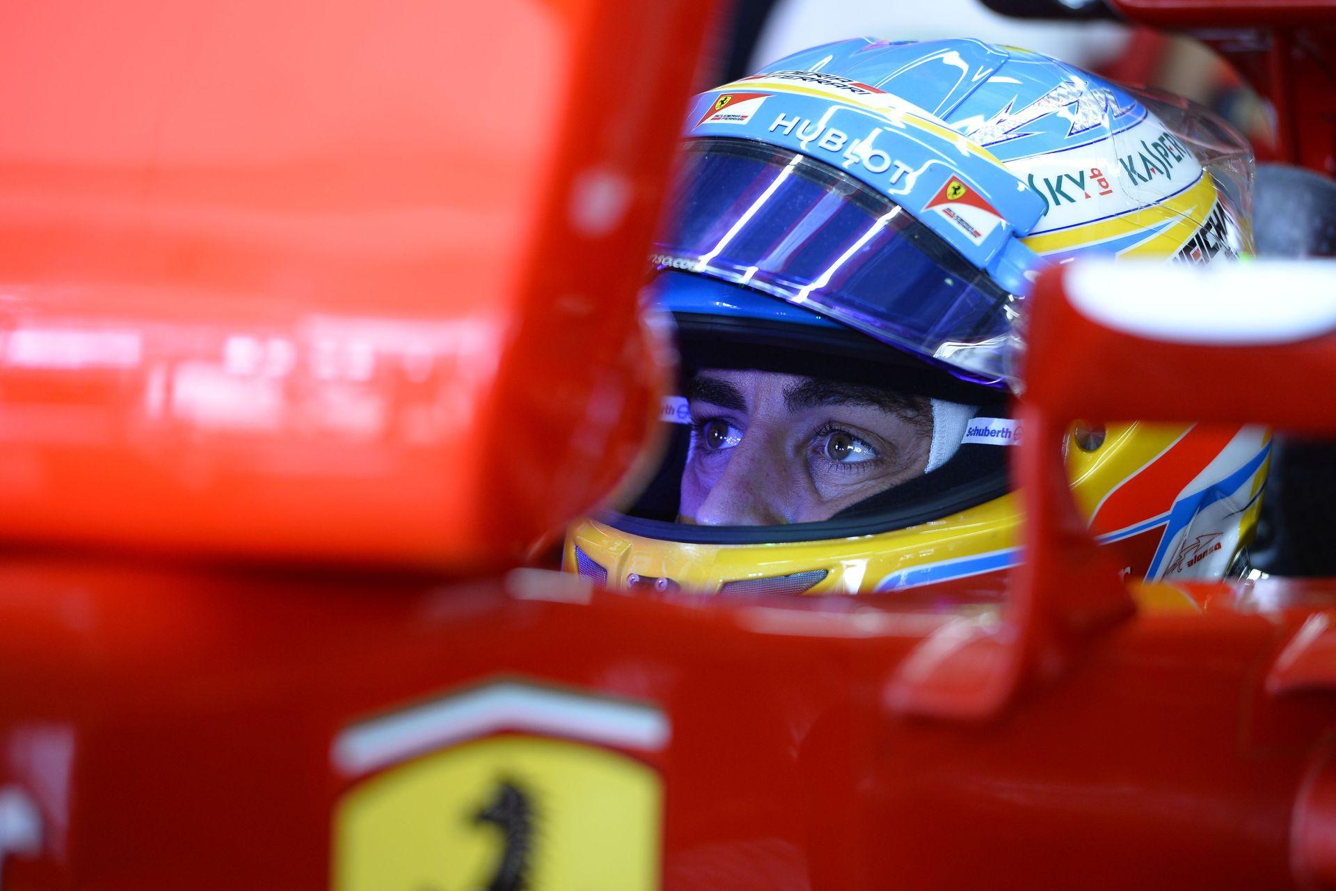 Vettel csak úgy volt hajlandó aláírni a Ferrarihoz, hogy Alonso távozik?