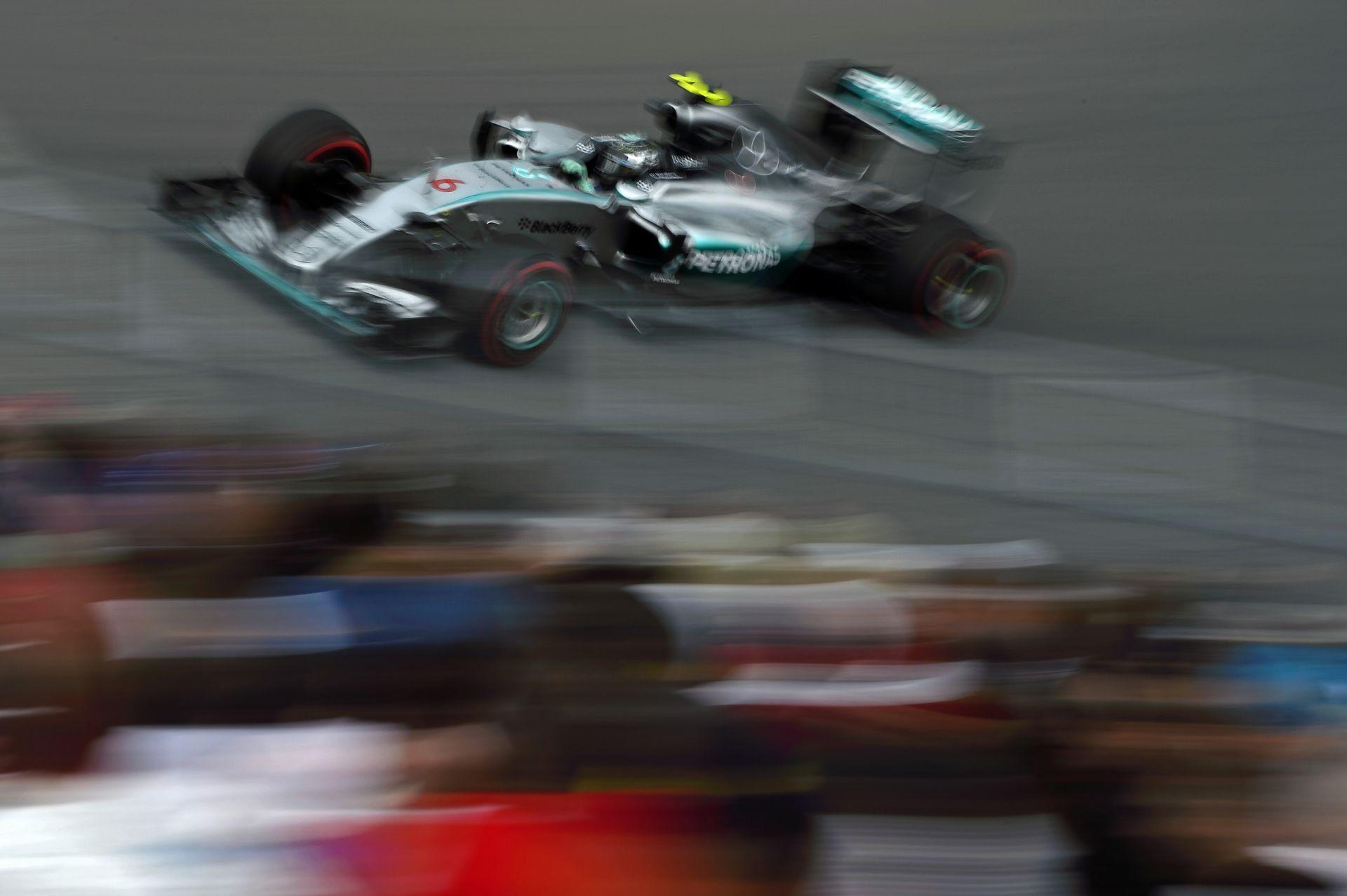 Rosberg nyerte a harmadik edzést Raikkönen és Grosjean előtt! Kisebb káosz Kanadában