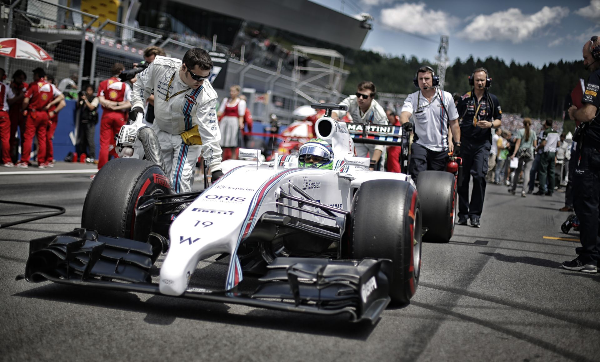 Derült égből villámcsapás: Massa a pole-ban Ausztriában!