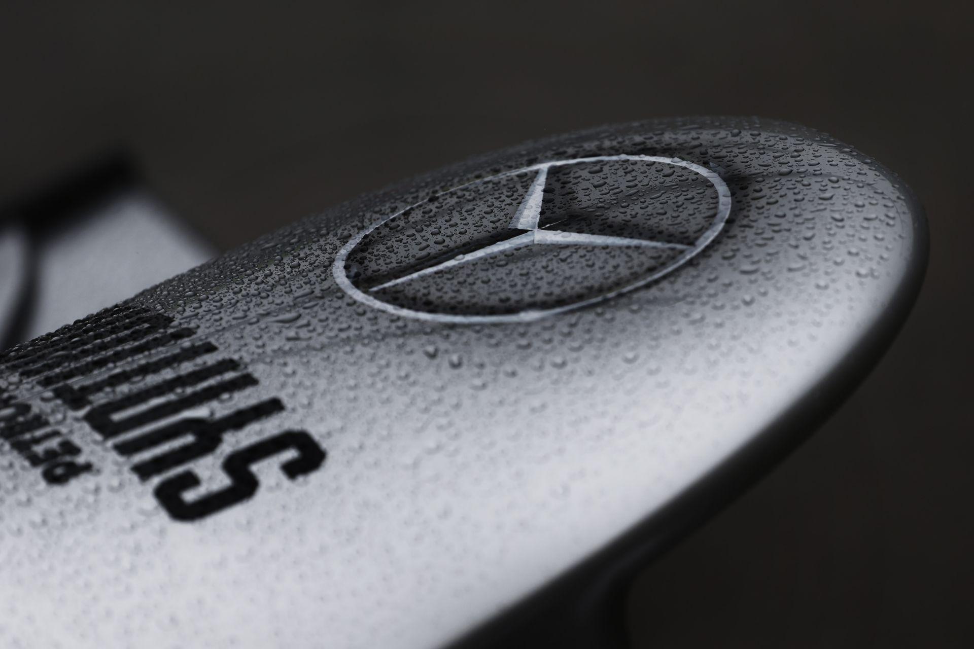 A Mercedes örülne egy Alonso-Bottas párosnak