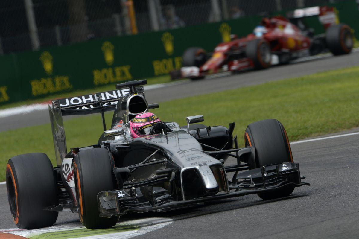 A McLaren ki akarja pipálni a rubrikát - tudják, Button számára kényelmetlen a helyzet