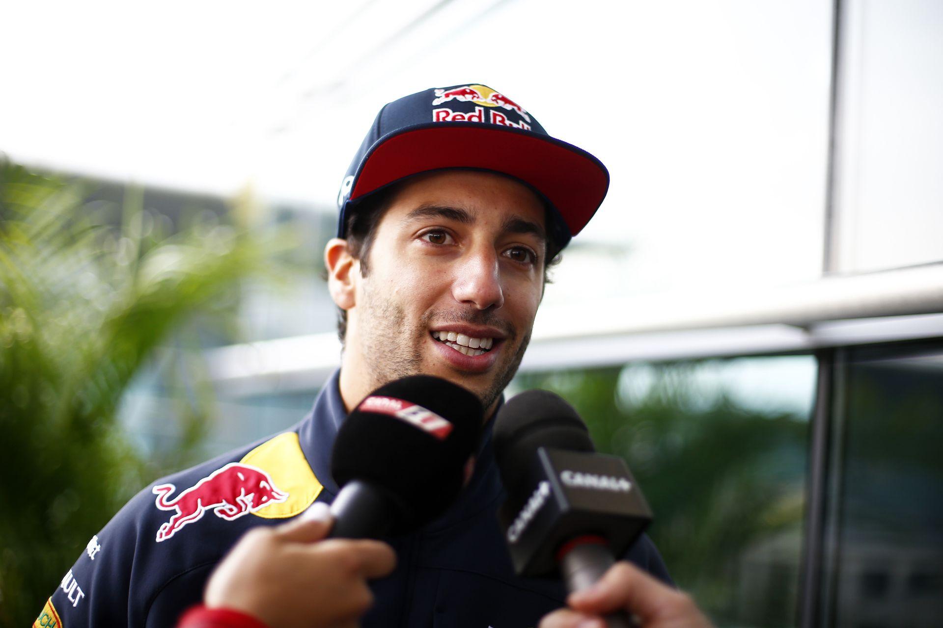 Ricciardo kiakadt a Red Bullra: Ő is nyerni akar, ahogy Vettel a Ferrarival!