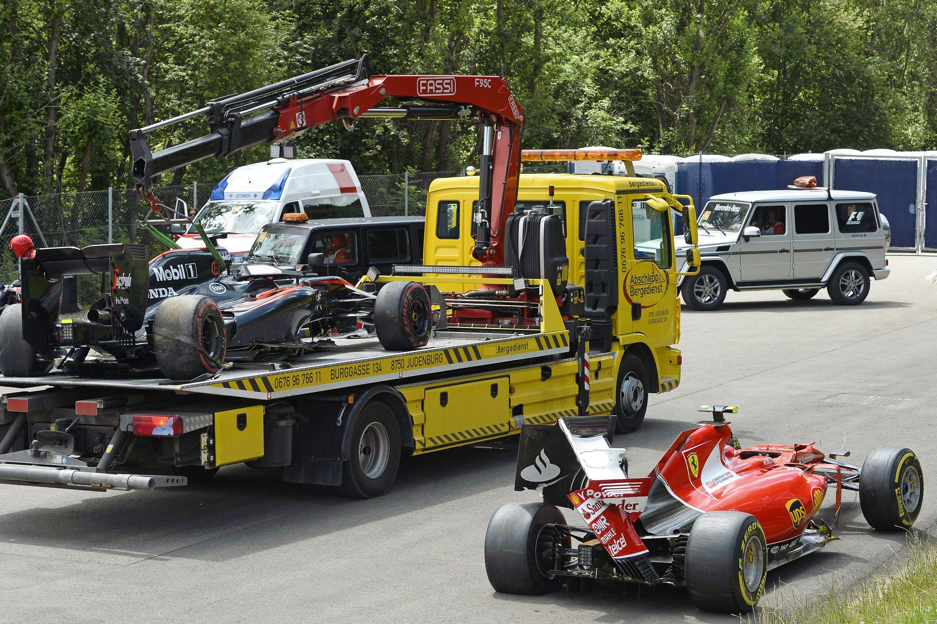 Hivatalos: Raikkönen és Alonso sem kap büntetést