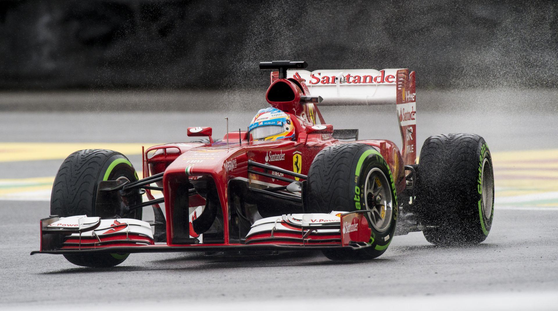 Alonso megfogja a lehetetlent a legendás Eau Rouge kanyarban: Felejthetetlen