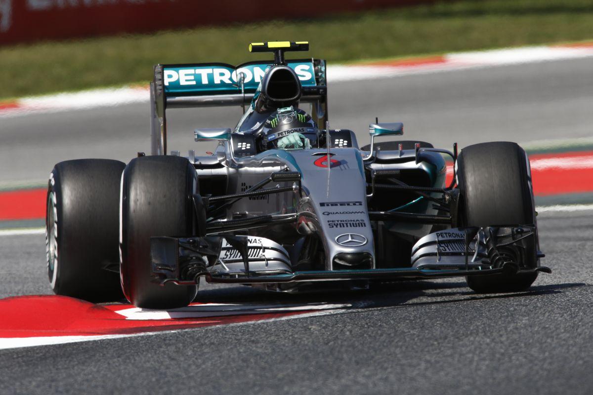 Rosberg nyerte a szezonközi tesztek első napját Barcelonában!