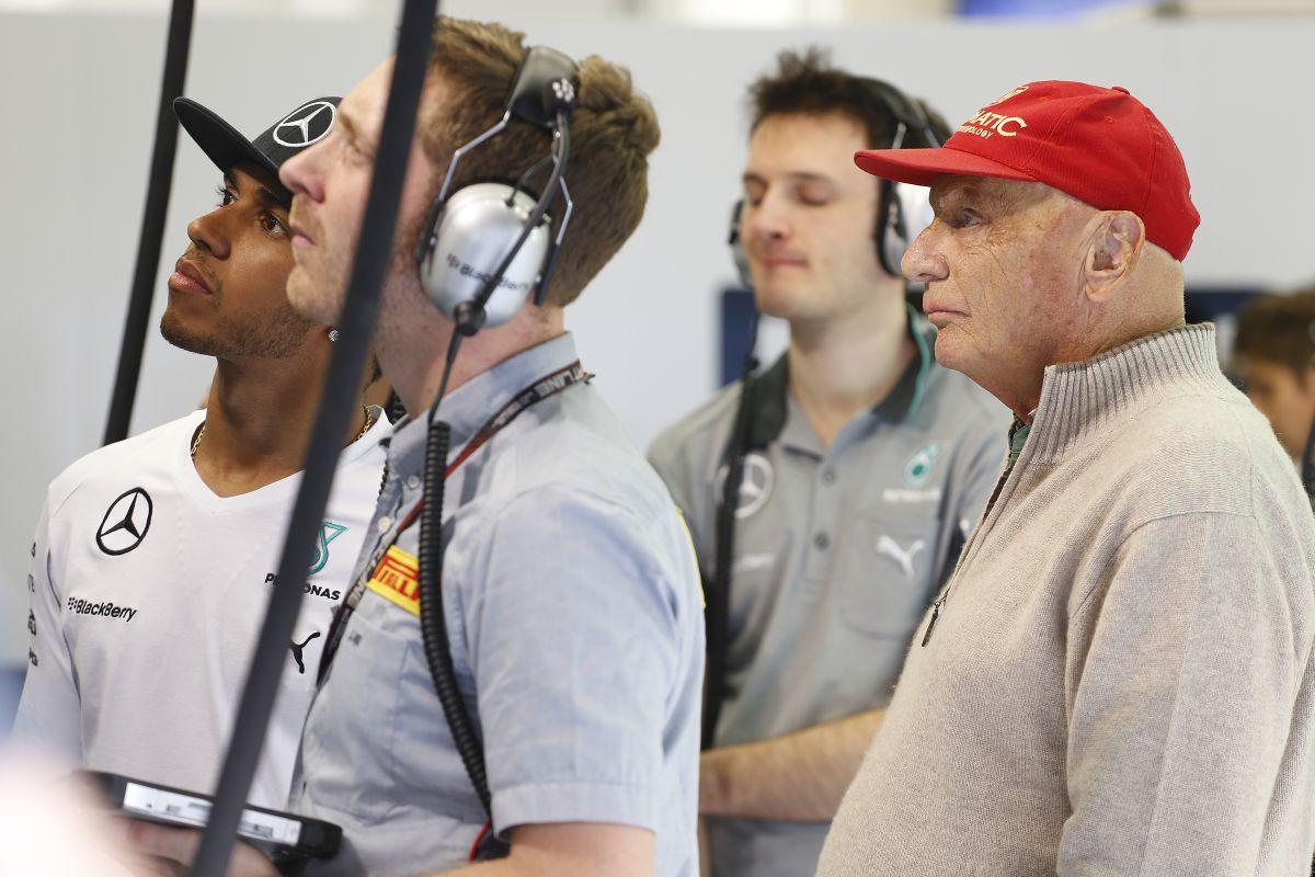 A Mercedes nem akarja befolyásolni, hogy ki nyer - benne van, hogy újra ütközik Hamilton és Rosberg