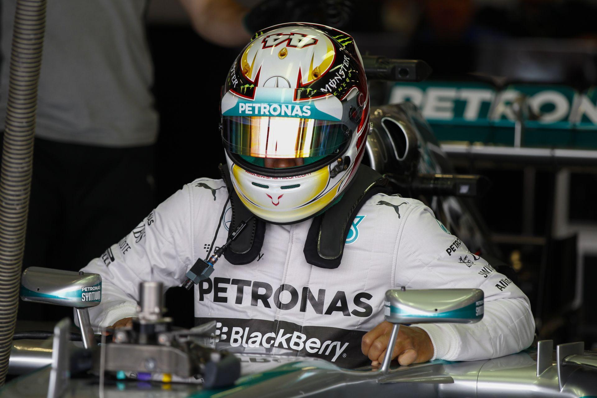 Rosberg nyerte az időmérőt Vettel és Button előtt! Hamilton csak a 6. Csúnyán beégett a Ferrari! Alonso és Rakkönen hátul