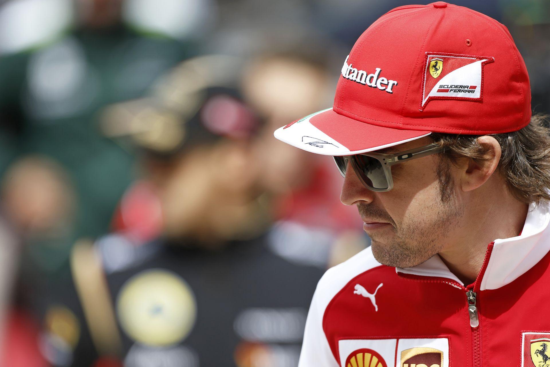 Levezető kör: Alonso és Vettel egyszerre volt iszonyat kemény férfi és kislány a zongoránál