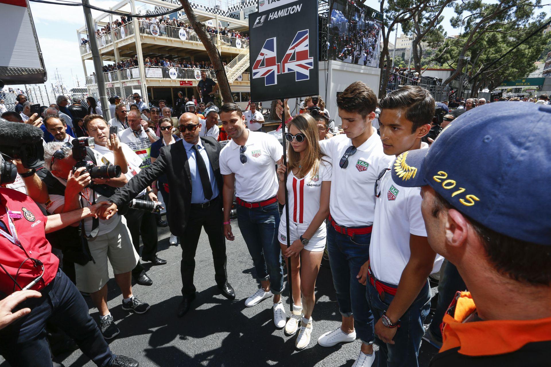 """Botrányos volt, hogy """"Grid Boyok"""" voltak a csajok helyett Monacóban: Vettel volt az egyetlen, aki kimondta a véleményét!"""