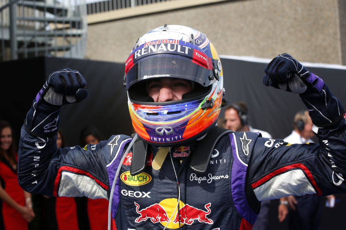 Ricciardo és a necces előzés Pérezzel szemben: egy pillanatra elgondolkodott
