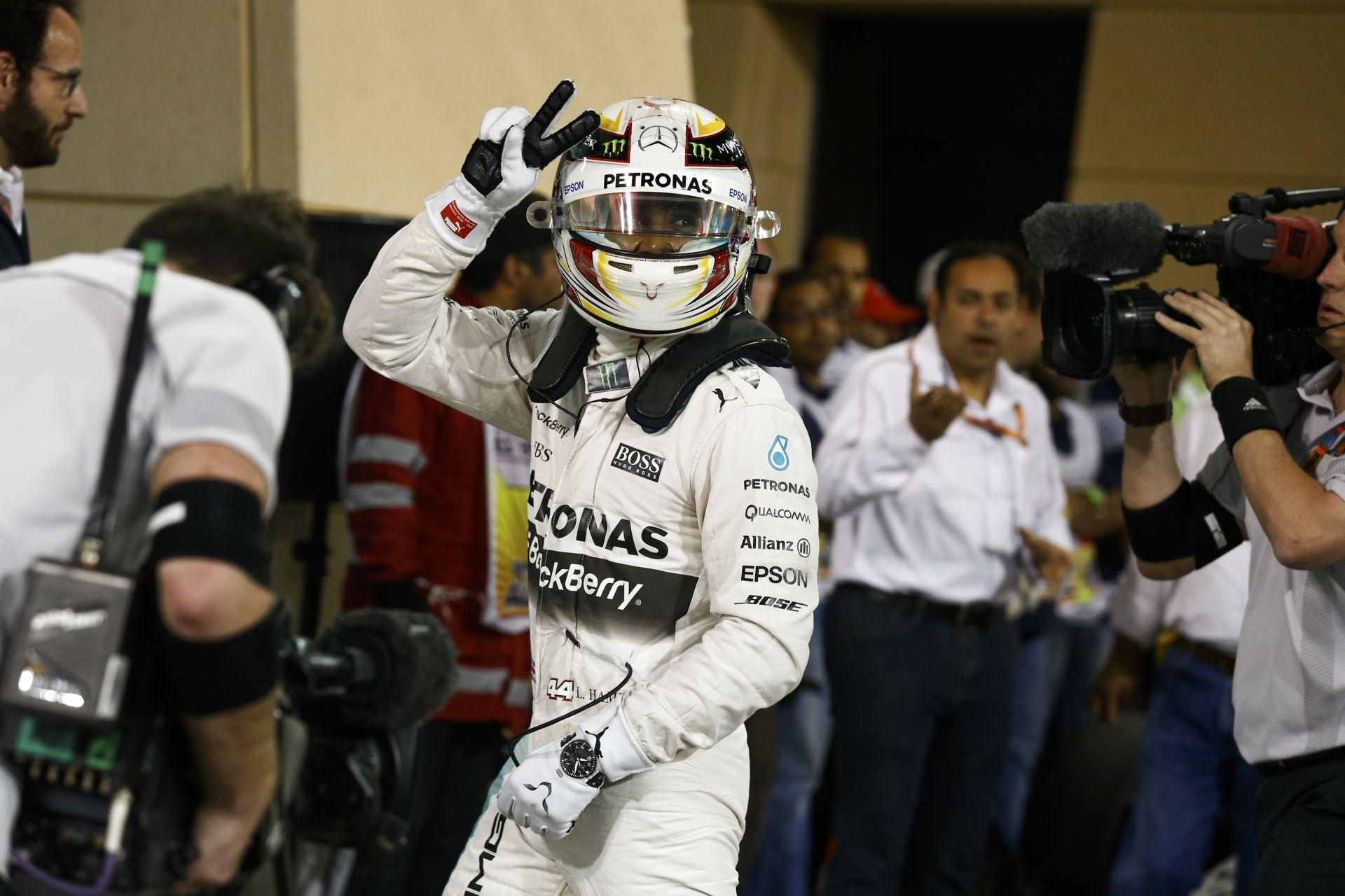 Bahreini Nagydíj 2015: Kövesd ÉLŐBEN a versenyt a sivatagi helyszínről! (17:00)