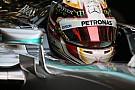 Lewis Hamilton szakít sisakgyártójával 20 év után