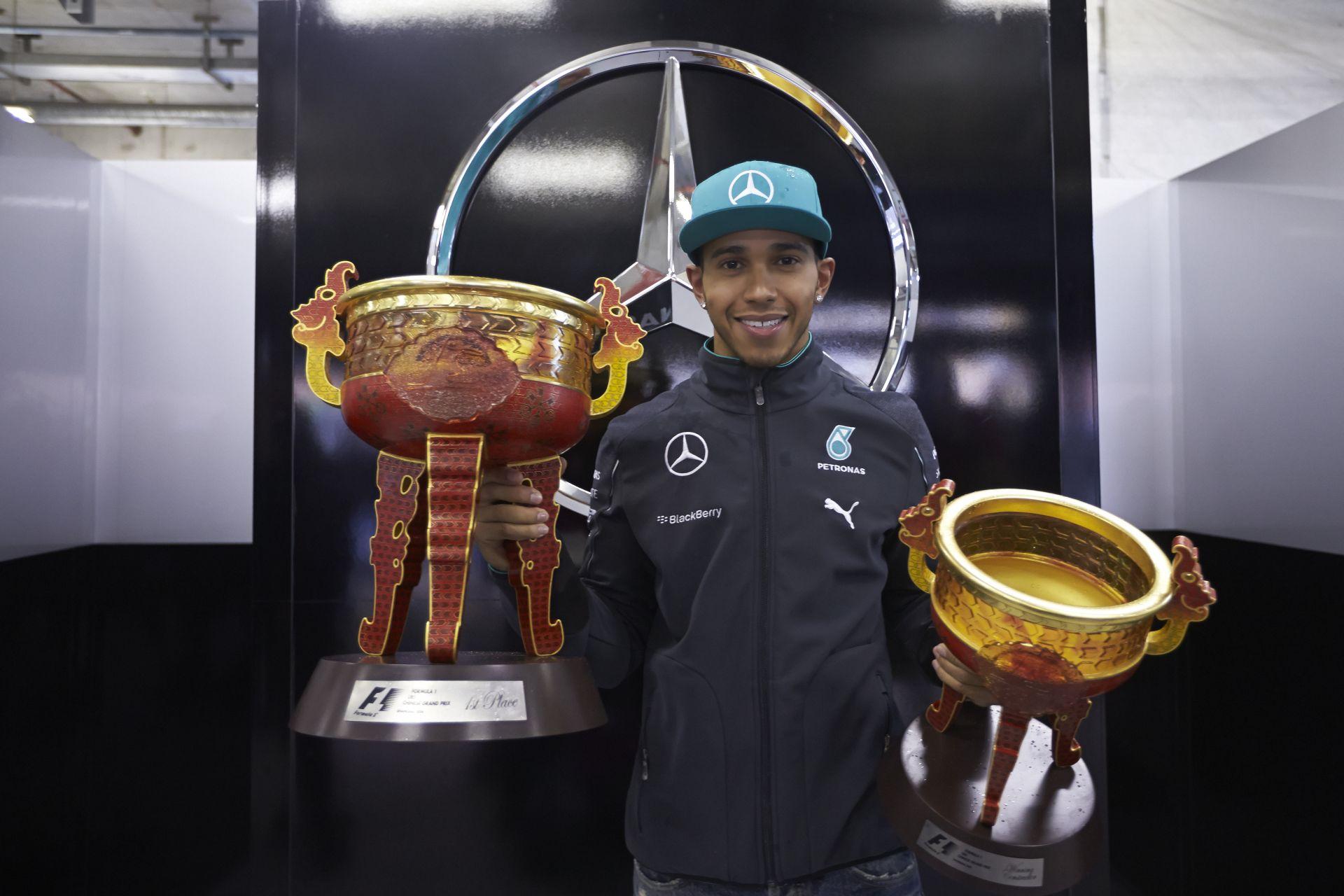 A Mercedes nem viccel, még jobb akar lenni a Forma-1-ben