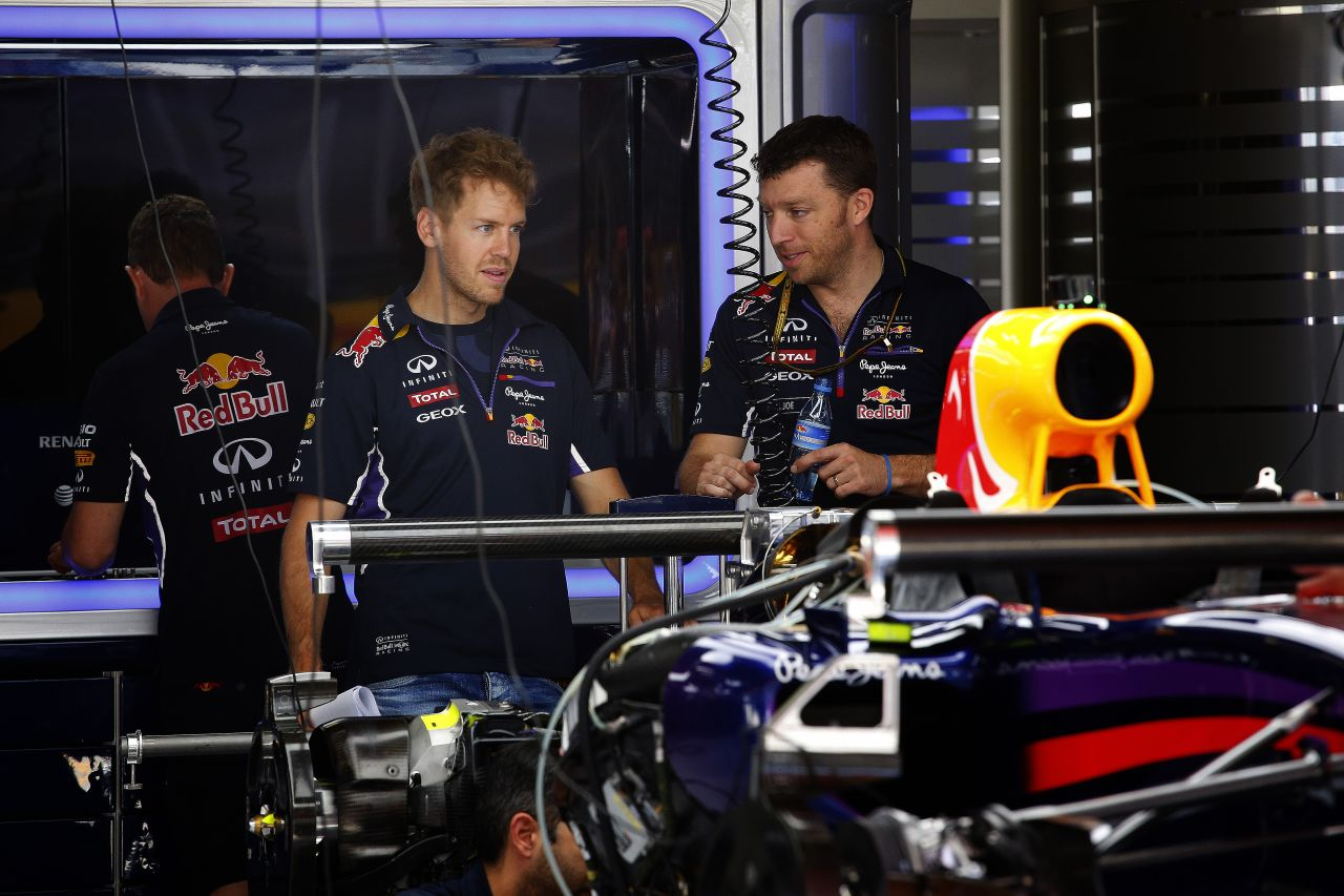 Vettel nagyot lép előre, amint a Red Bull megoldja a gondokat