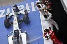 Meg kéne nehezíteni a Mercedes dolgát: ezen dolgozik Alonso és a Ferrari