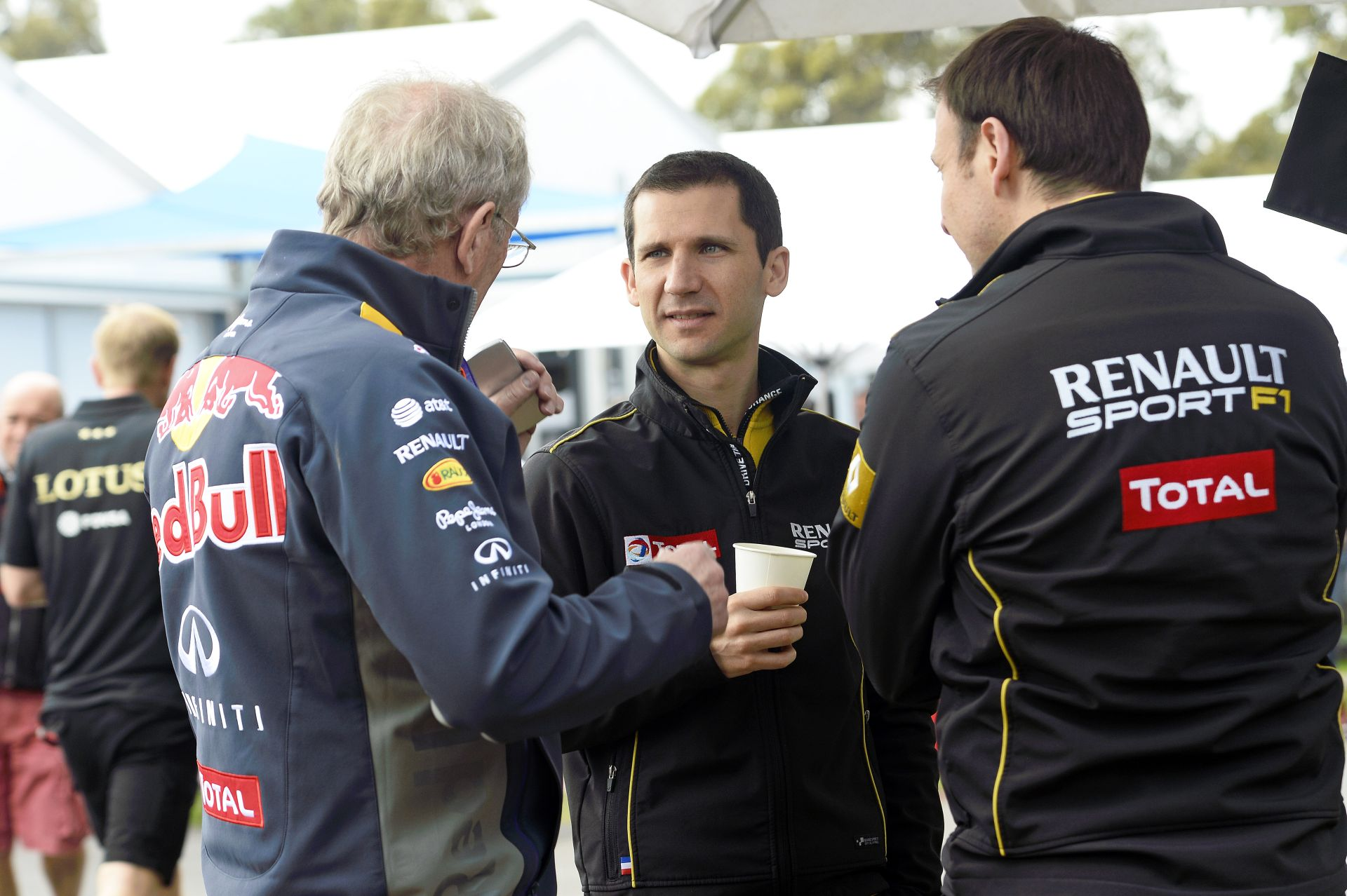 Renault: Semmi esély, hogy kiszálljunk a Forma-1-ből