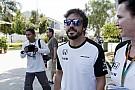 Alonso teljesítette az FIA utolsó orvosi vizsgálatait, és versenyezhet Malajziában