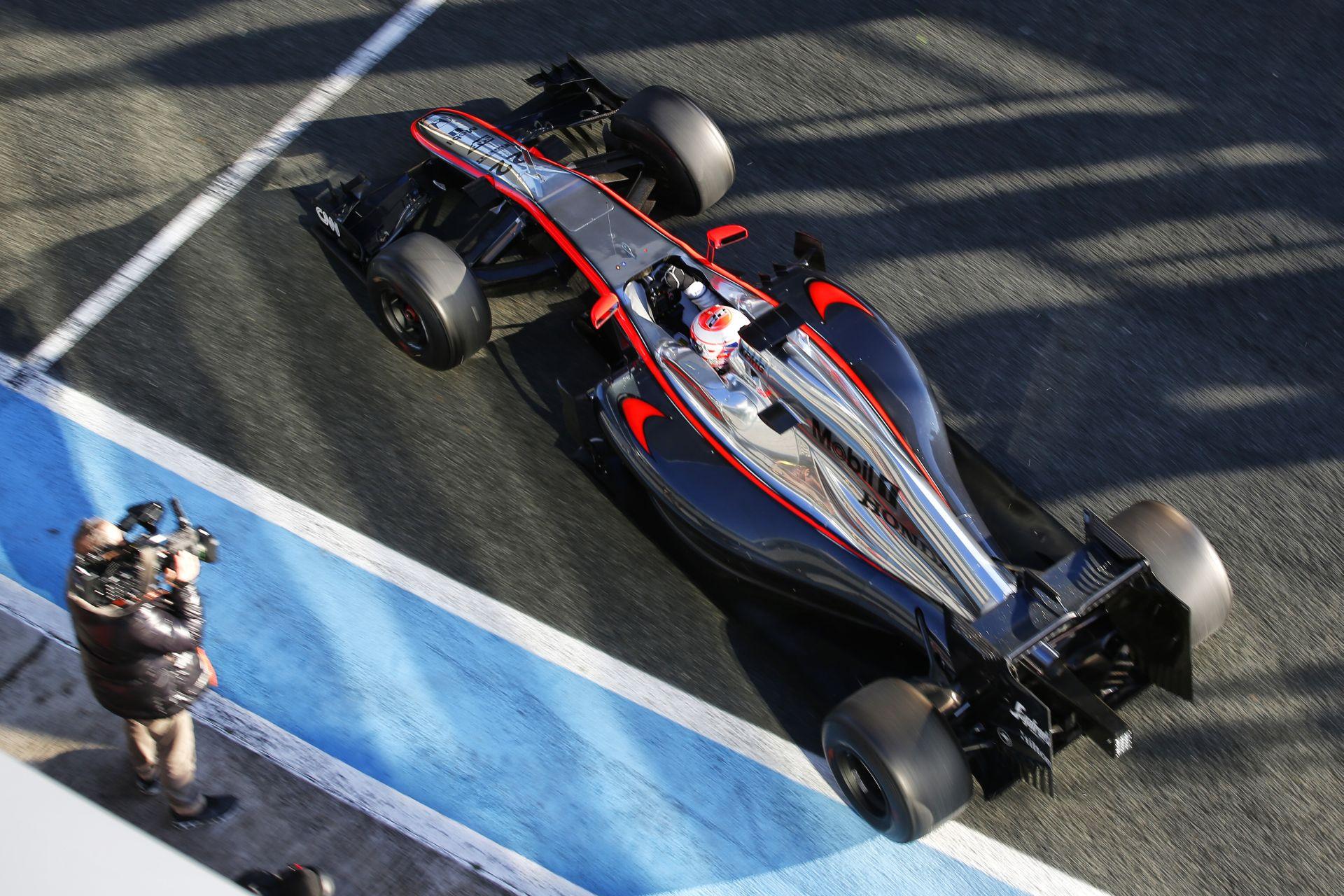 A McLaren-Honda nyerni akar, de Ausztráliában még csak a célba érés lehet a cél