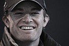 Felvételek a barcelonai F1-es tesztről: Orrhangú Hamilton, Neymar, füstölő Honda…