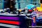 Bahreinben is haldoklik a Red Bull, Alonso füstölősen kezdett