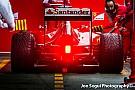 Videón Alonso füstöt okádó F1-es Ferrarija Bahreinből
