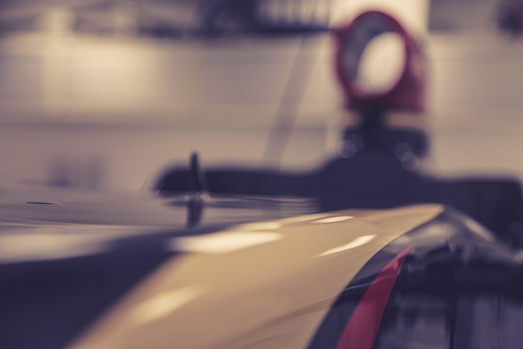 Ugyanarra a főszponzorra hajt a McLaren és a Lotus: az egyik olcsóbban adja magát