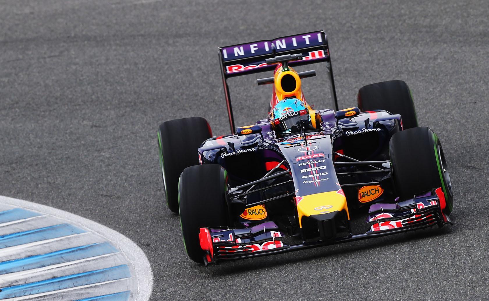 Hivatalos: Vége a Red Bull tesztnapjának! Gondok a Renault motorral! Vettel hazautazik