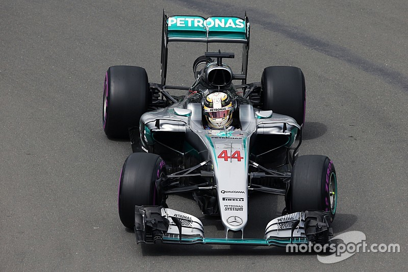 Hamilton también domina la segunda sesión libre