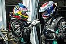 Video: Verstappen racet met GT door straten van Baku
