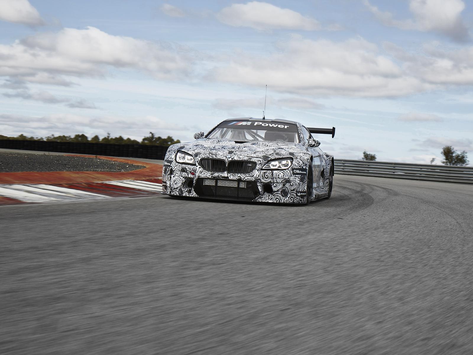 Szeptemberben felölti báliruháját a BMW M6 GT3: 585 lóerő és 110 millió feletti ár