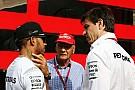 Вольфф підтверджує, що обидва Mercedes мали проблеми