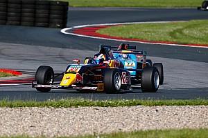 Formule 4 Nieuws Leerzaam weekend Richard Verschoor in Duits Formule 4