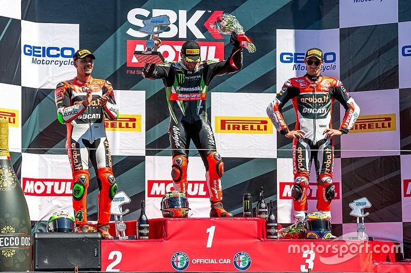 Супербайк: два Ducati на подіумі поруч із переможцем Сайксом