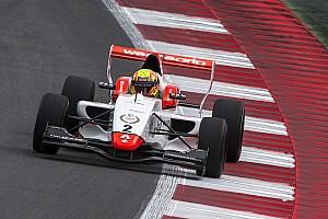 Formula Renault Reporte de la carrera Spielberg: Norris vence a Defourny en la Carrera 1