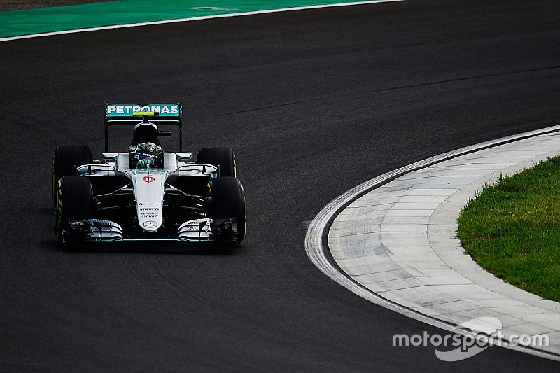 匈牙利大奖赛FP2:罗斯伯格一马当先,汉密尔顿意外撞车