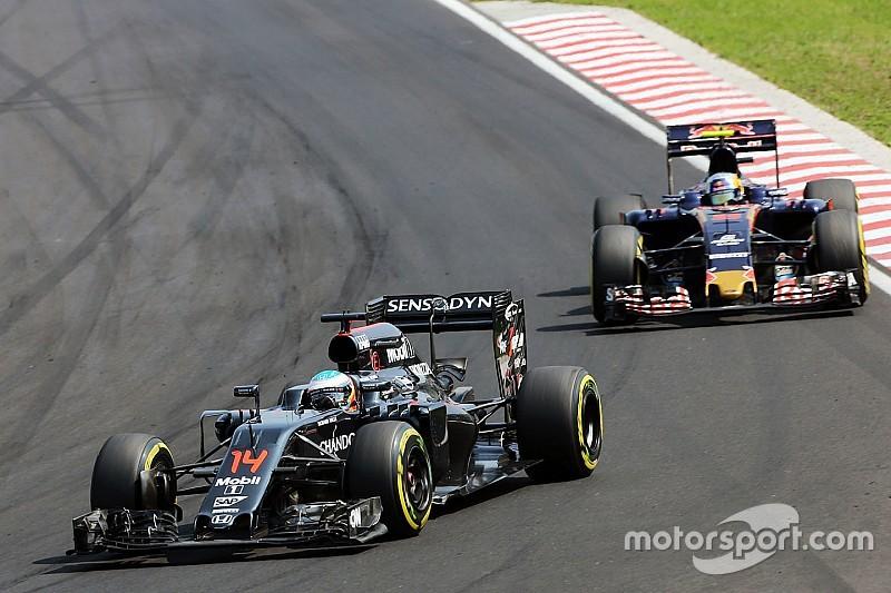 Сайнс: прогрес McLaren непокоїть