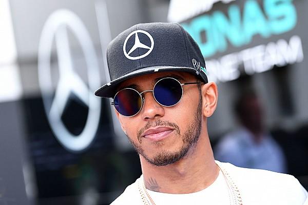 Mercedes: conversa de Hamilton com Whiting foi
