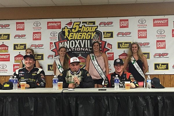 Sprint Kaeding wins Thursday night A main at Knoxville