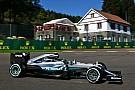 Mercedes domina la primera sesión