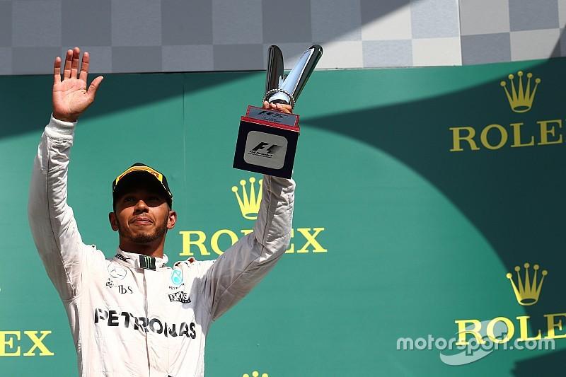 """Hamilton ganó sin ganar: """"No me lo puedo creer"""""""
